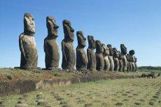 Biking Tongariki: Un Paseo a los Quince Moai (Programa Terevaka)