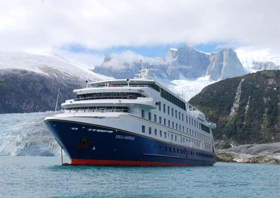 Tierra del Fuego, King Penguin and Cruise