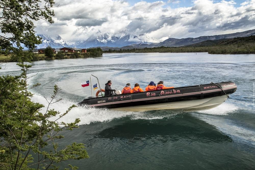 Navegando até o Parque Nacional Torres del Paine