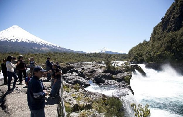 Excursion Petrohué River Falls and Osorno Volcano