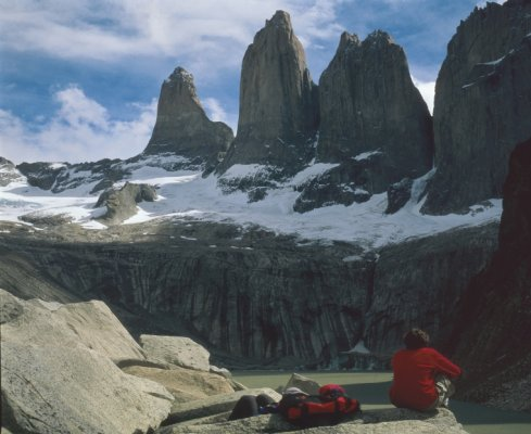 Hotel Lago Grey y Martín Gusinde: Días Mágicos en Torres del Paine