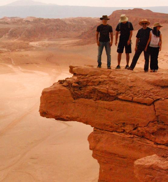 Aventura y Mística en San Pedro de Atacama e Isla de Pascua