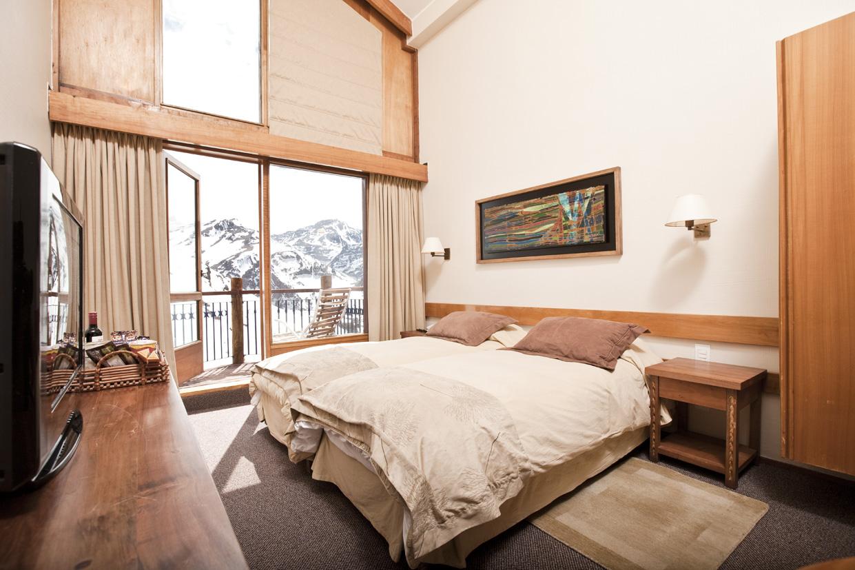 Hotel puerta del sol en centro de esqui valle nevado informaci n tarifas y reservas - Pension puerta del sol ...